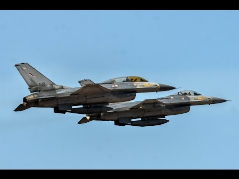 RTAF F-16 Dogfight & Ground Attack Air Show วันเด็ก 2015 @ Wing1.