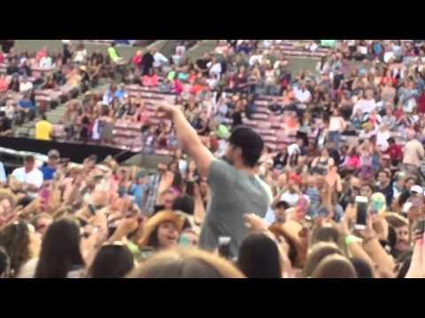 Sam Hunt Jones Beach May 29, 2015 House Party