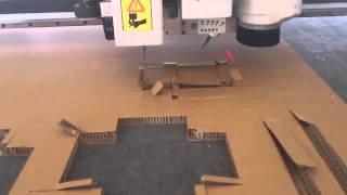 Изготовление картонной коробки вырезание V  ножом V cutter под углом на планшетном режущем плоттере(http://www.newbull.ru/ - Изготовление картонной коробки вырезание V ножом V cutter под углом на планшетном режущем плотте..., 2015-09-20T08:16:46.000Z)