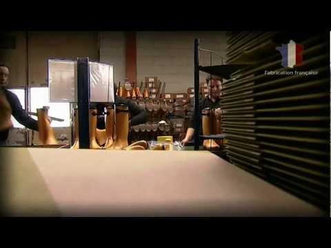 4b3caa1bbb1 Fabrication de la botte Aigle dans les ateliers de Châtellerault ...