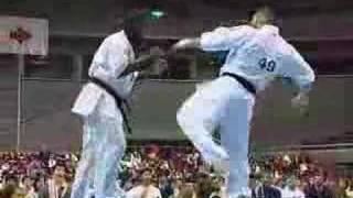 Karate Kyokushin Lechi Kurbanov vs ewerton teixeira