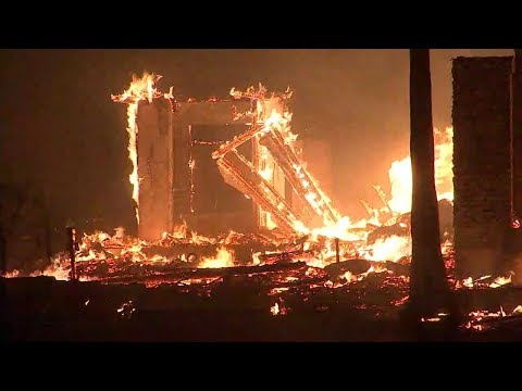 San Diego County brush fire destroys 20 structures | ABC7