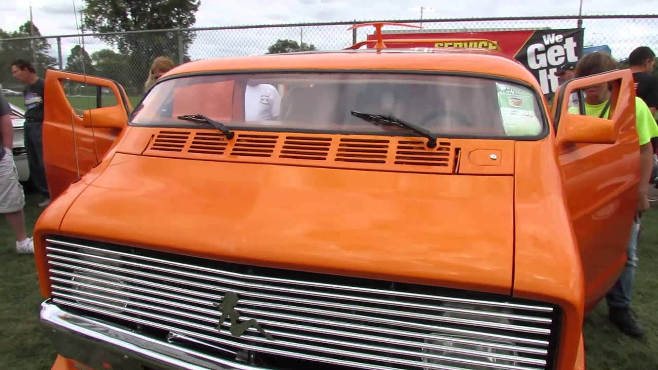 1977 Dodge Custom Van