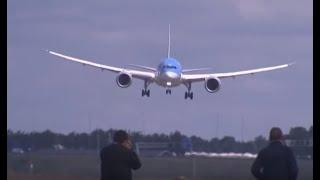 Piloot Dreamliner haalt grapje uit, vliegtuigspotters in paniek