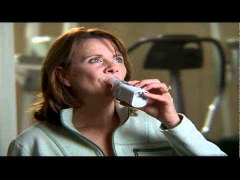 Omron MicroAir Portable Nebulizer - YouTube