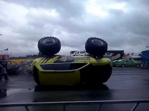 monstertruck unfall