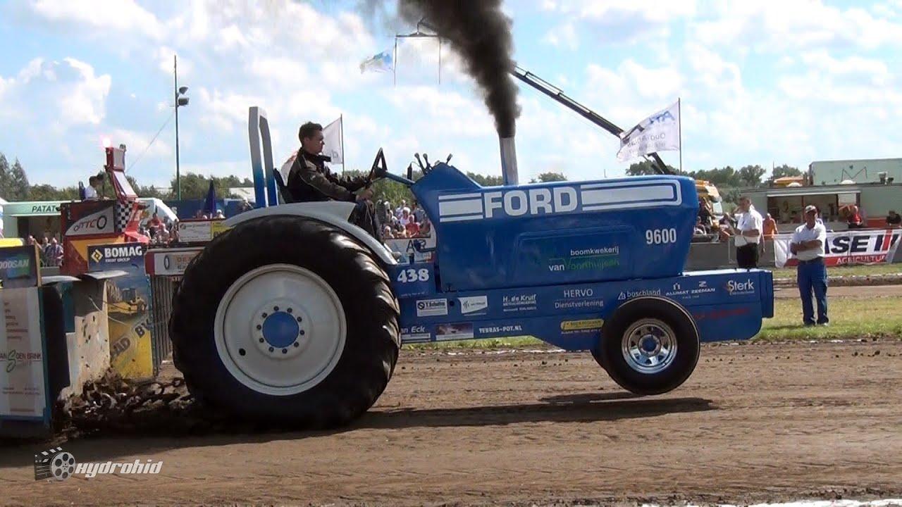 Blue Hunter - Ford 9600 - Tractorpulling Farmstock Meerkerk 2016