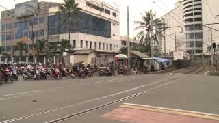 Jakarta Trains Up Close thumbnail