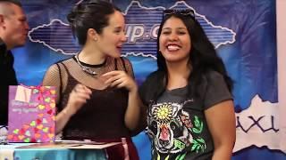 Ximena Sariñana en firma de autógrafos Mixup Reforma 222