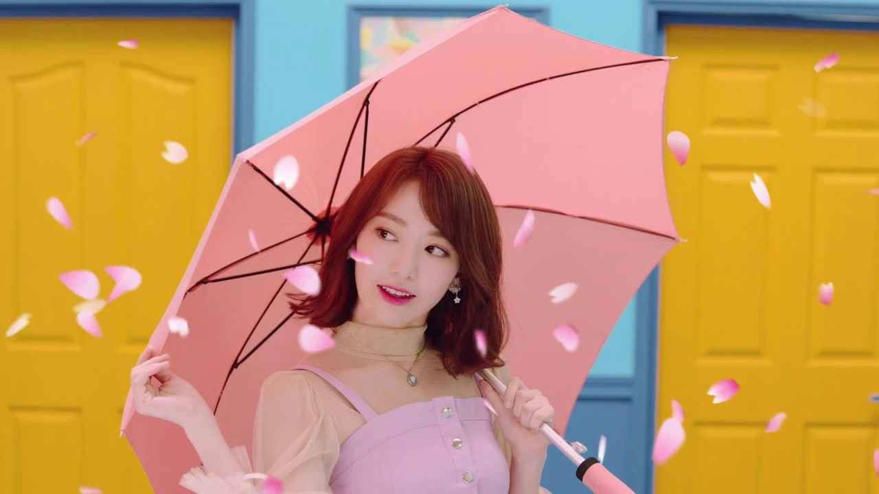 Sakura Miyawaki IZONE - Yume De Kiss Me + Link Download Mp3