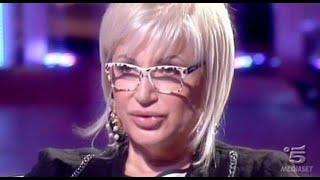 Lite furiosa a Pomeriggio 5, Lucia Bramieri aggredisce un ospite: 'Hai detto una ca*zata'