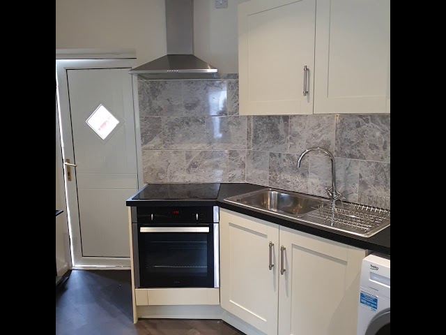 1 bed flat bills included plus off street parking Main Photo