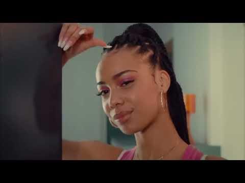 Youtube: DADJU – Elle me demande (Official video)