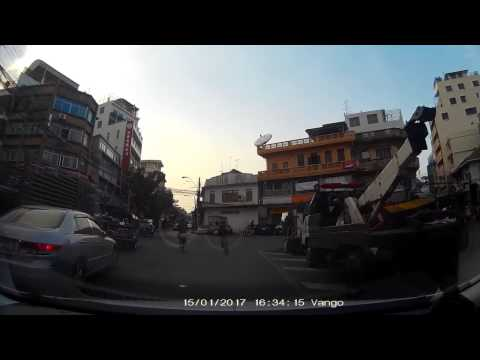 Drive to Chaina Town in Bangkok (Yaowarat Road)