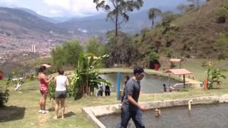Pesca en La Truchera, Bello, Antioquia
