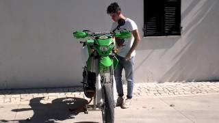 RAGAZZO PIANGE PER LA MOTO NUOVA! - Kawasaki Kx 125cc Motard TRIPLA Omologazione
