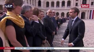 Emmanuel Macron salue la famille de Simone Veil