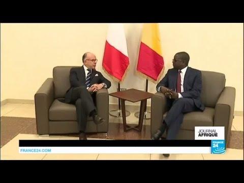 Le Premier ministre Bernard Cazeneuve en visite au Tchad sur le front antijihadiste