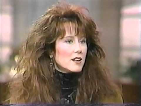 Mary McDonnell on Regis and Kathy Lee.wmv