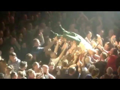 JAMES - Hull City Hall 160516 - Surfer's Song