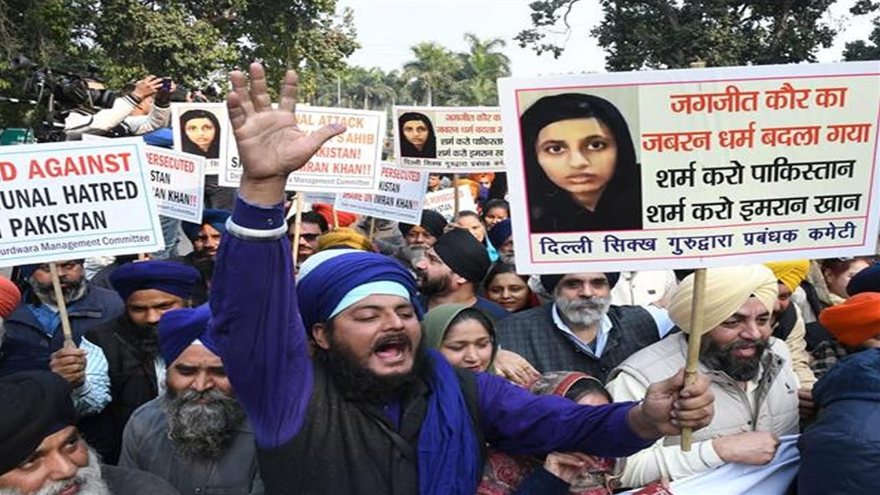 dsgmc, akali dal protest near pak high commission; gurdwara 'untouched', says pakistan
