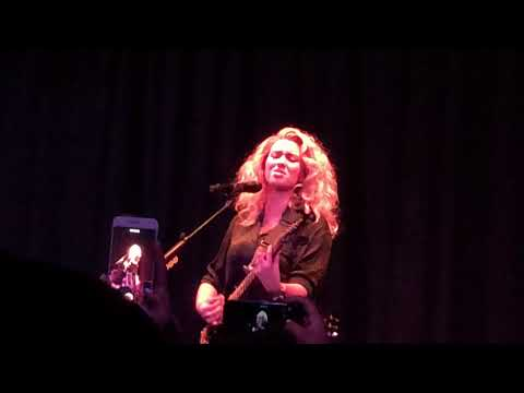 Coffee (New Song) [Tori Kelly Live @ The Roxy]