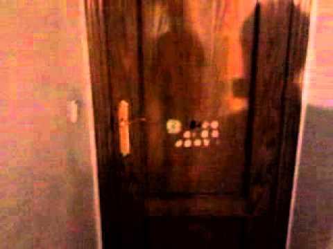 Como abrir una puerta sin llave facil youtube - Abrir puerta sin llave clip ...