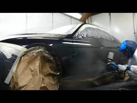BMW spray painting
