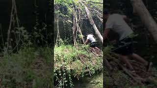 Урок выживания в лесу.