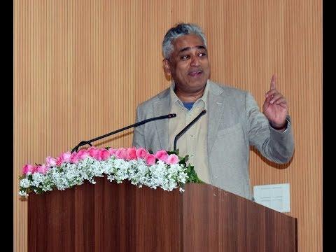 Rajdeep Sardesai Anti BJP Speech at Delhi University on Relevance of Gandhi in Today's India | Modi