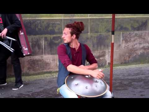 Street Performers Festival Fringe Edinburgh Scotland