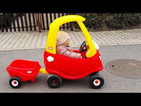 OUTDOOR ACTIVITY - Little Tikes Cozy COUPE little girl Elis & Playground Family Fun