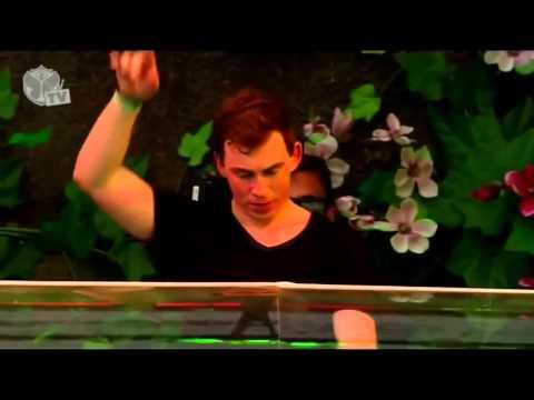 Avicii   Wake Me Up HARDWELL REMIX @ TOMORROWLAND 2013 HARDWELL LIVE SET RIP   YouTubevia torchbrows