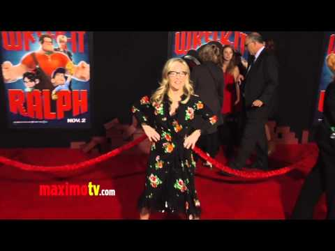 Rachael Harris WRECK-IT RALPH World Premiere Cherry-Red Carpet ARRIVALS - 동영상