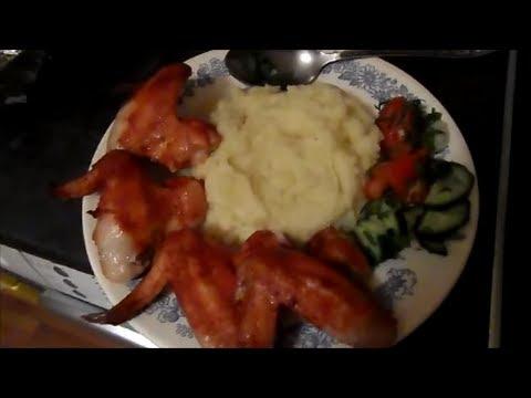 Рецепт: Куриные крылья, запеченные с овощами на