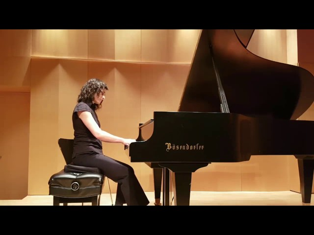 Studio de piano Tristan Lauber intermediate Crina playing Satie