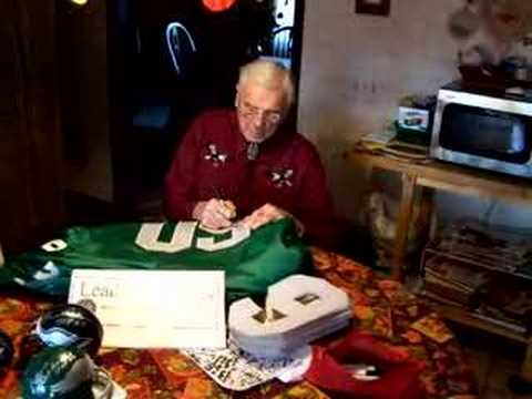 Chuck Bednarik Philadelphia Eagles signs autographs