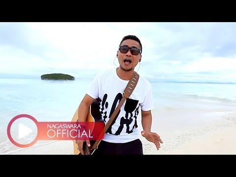 Ady - Menemukanmu - Official Music Video - NAGASWARA