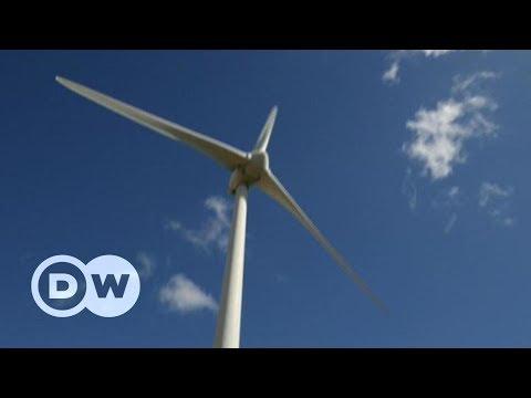 Шкідлива зелена енергетика, або Куди подіти старі вітрові турбіни | DW Ukrainian