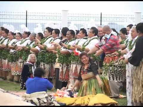 HRH Prince Ata & HRH Princess Angelika Tuku'aho - Lakalaka 'ae Fola'osi mei Kanokupolu.