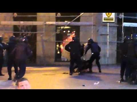 Madrid, protesto e violência em Puerto del Sol