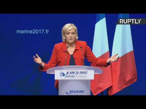 Marine Le Pen tient le meeting à Lille (Direct du 26.03)