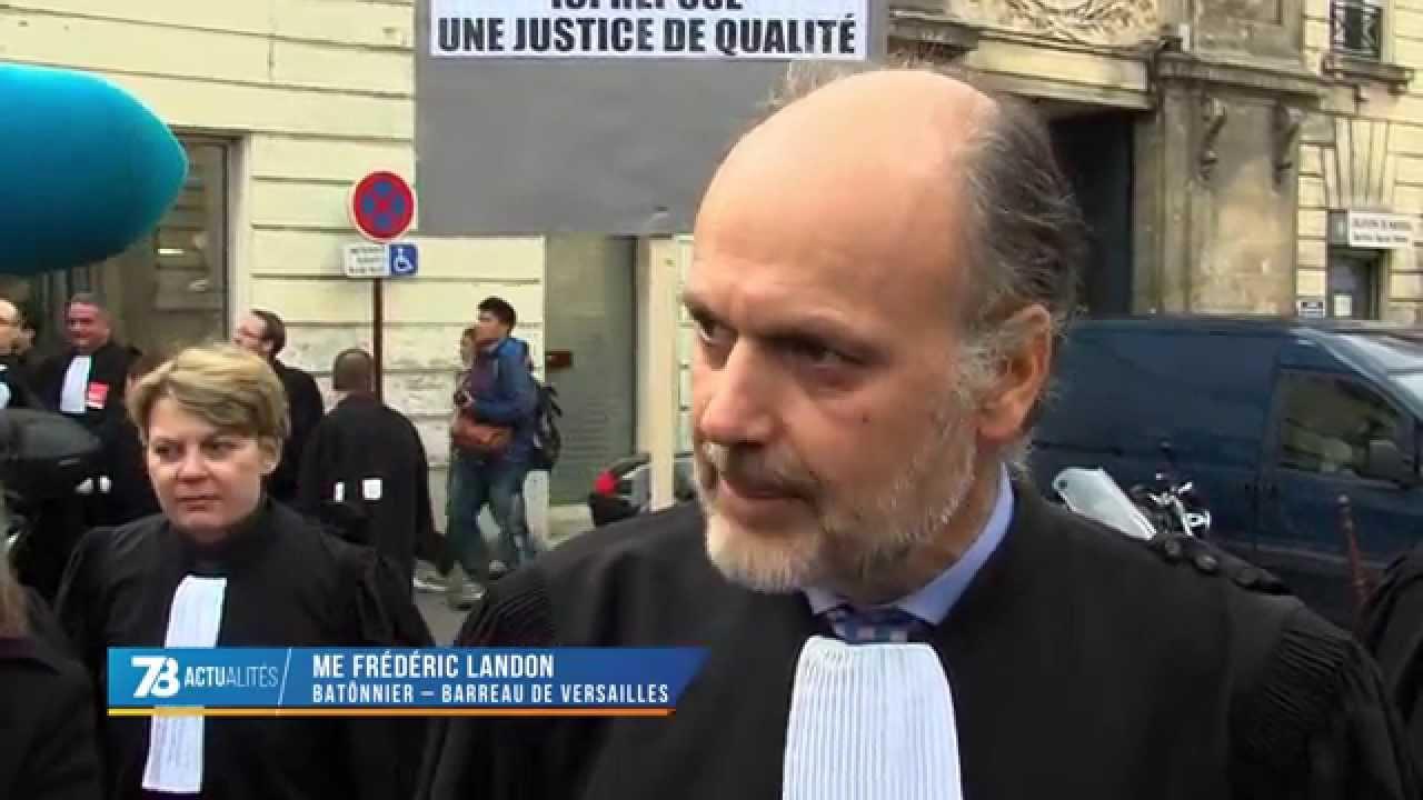 A Versailles : plus de 300 avocats dans la rue