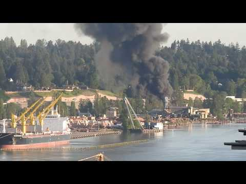 Structure Fire No 17 & Norm Creek - Delta, BC - May 27, 2017
