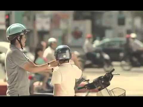 Khi con lớn lên - Hãy đội mũ bảo hiểm cho trẻ