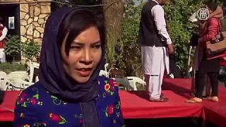 Мода проти насильства: в Афганістані показали наряди різних етнічних груп