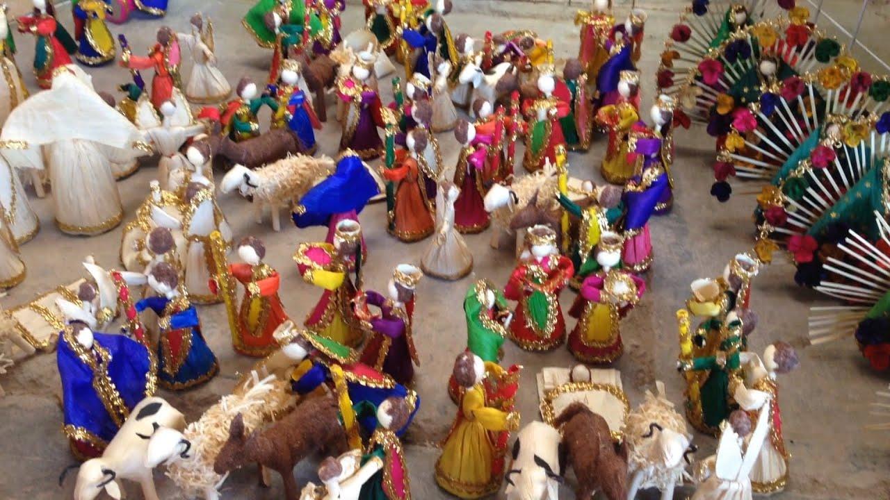 Artesan as navide as adornan los hogares youtube for Artesanias navidenas