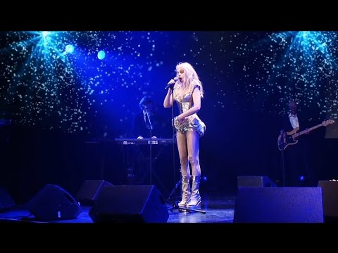 Arielle Dombasle - Cold Song (Vidéo Glam Show)