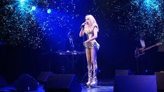 Arielle Dombasle - Cold Song (Vidéo Glam Show)