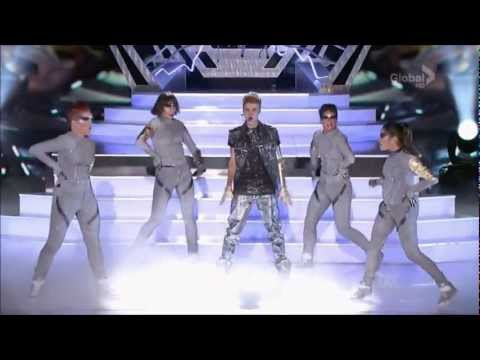 Justin Bieber feat. Big Sean - As Long As You Love Me / Boyfriend (Teen Choice Awards 2012) HD